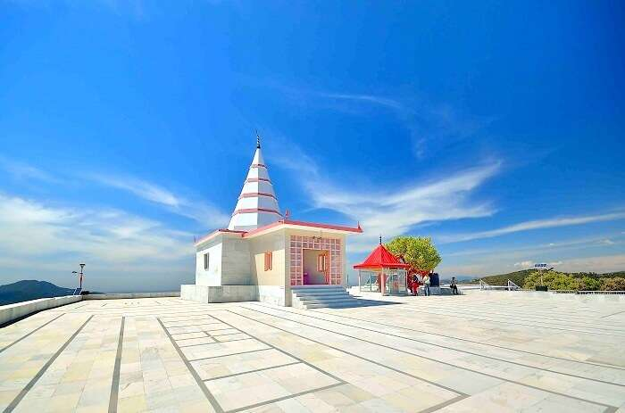 temples in chail