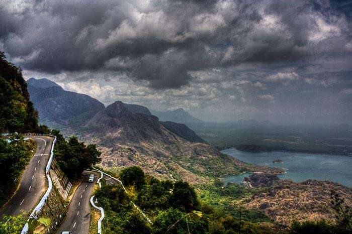 The beautiful turns of the Wayanad tourist place